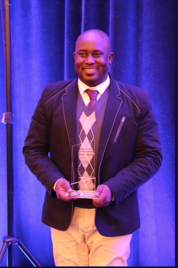professor pius adesanmi awarded the 2017 board of director