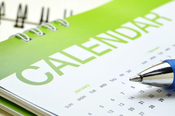 calendar and pen 600x400