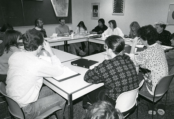 Canadian Studies seminar class, 1988. Library Special Collections fonds.