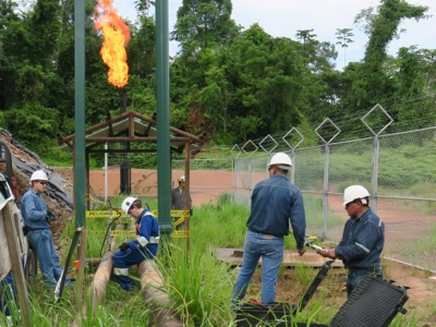 Photo for the news post: FlareNet Team Works to Minimize Gas Flaring in Ecuador