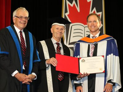 Photo for the news post: Gordon Hicks (BEng/87) Receives Honorary Doctorate from Carleton University