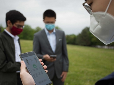 Photo for the news post: Carleton's Wei Shi Develops Mobile App that Delivers COVID-19 Exposure Alerts But No Personal Information