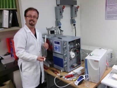 Dr. Damien Huffer