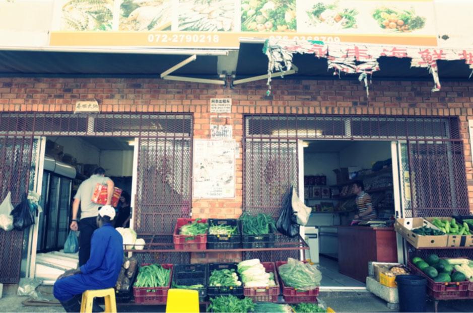 Zimbabwean workers in Chinatown