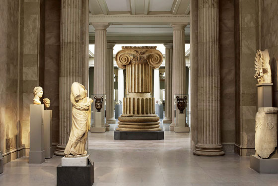 The column from the Temple of Artemis at Sardis, ca. 300 B.C. (Photo: Courtesy of the Metropolitan Museum of Art)
