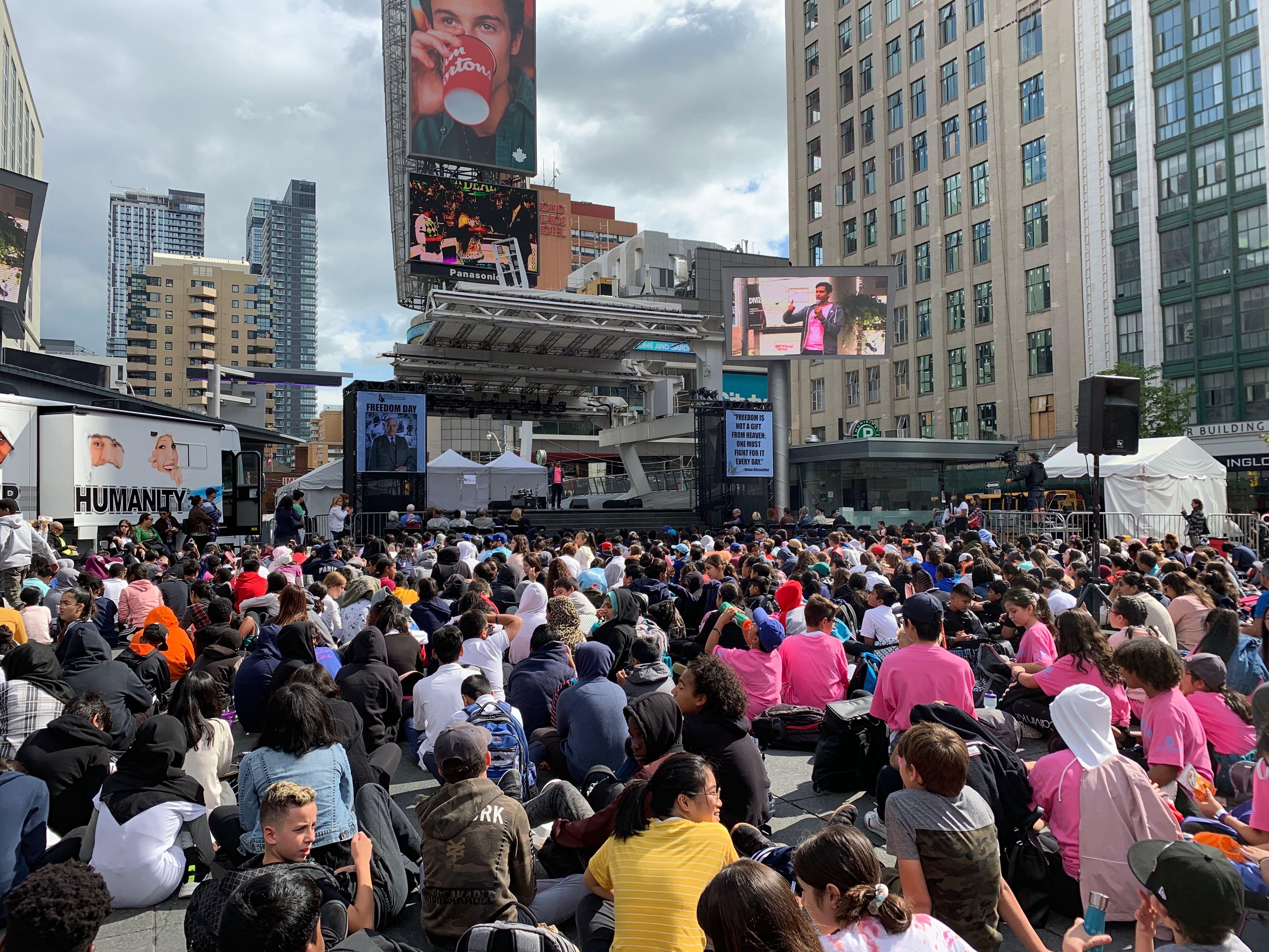 Jeremy Dias speaks to a crowd