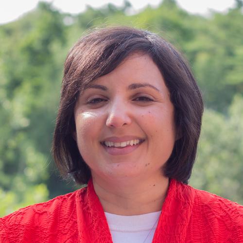 Photo of Betina Kuzmarov