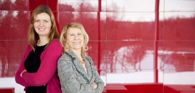 Claire Becton & Jennifer Stewart (2)