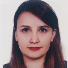 Headshot of Hasti Khiabani