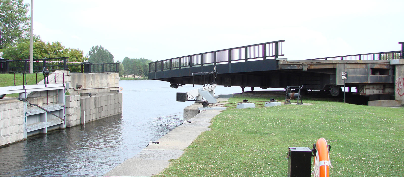 Banner image for Hog's Back Swing Bridge Closure